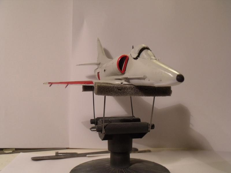 A-4 E Skyhawk - 1/ 48° Pont d'envol fait - Avion fini - accessoires de pont en confection. - Page 3 Dscf6811