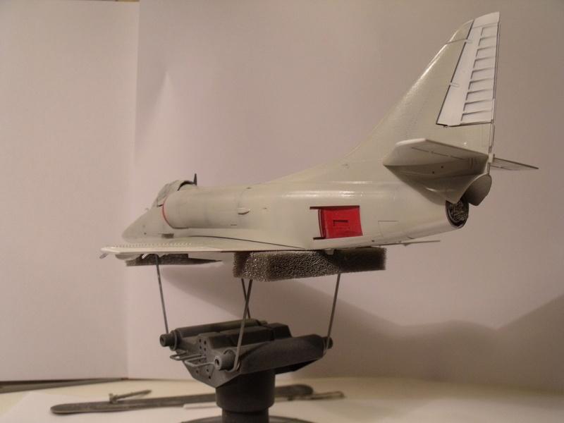 A-4 E Skyhawk - 1/ 48° Pont d'envol fait - Avion fini - accessoires de pont en confection. - Page 3 Dscf6812