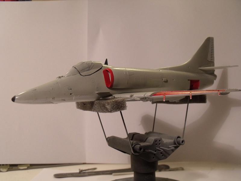 A-4 E Skyhawk - 1/ 48° Pont d'envol fait - Avion fini - accessoires de pont en confection. - Page 3 Dscf6814