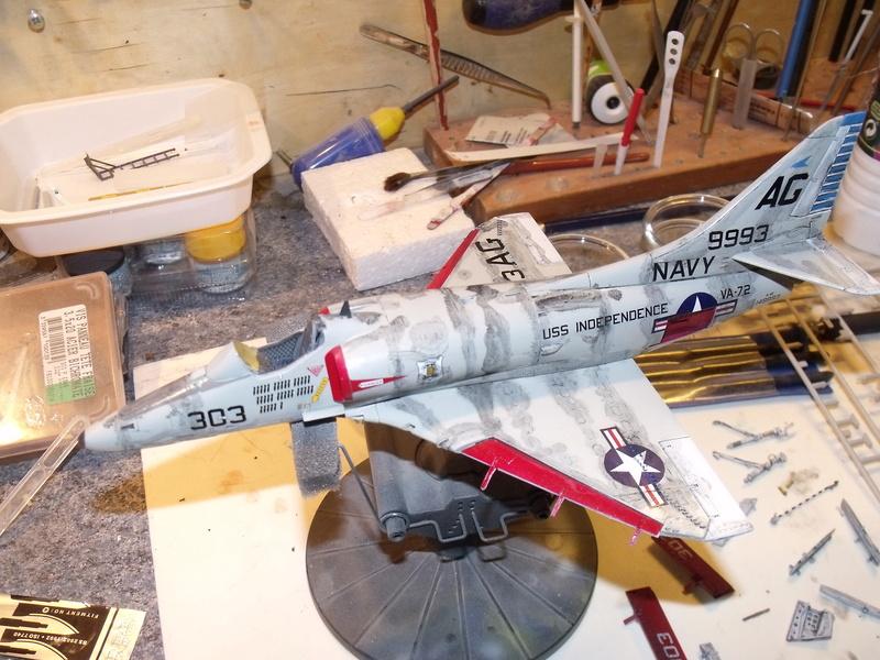 A-4 E Skyhawk - 1/ 48° Pont d'envol fait - Avion fini - accessoires de pont en confection. - Page 4 Dscf6830