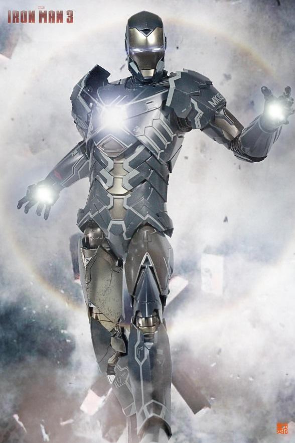Iron Man 3 (Hot Toys) X2413