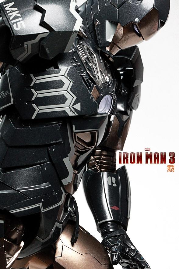 Iron Man 3 (Hot Toys) X2713