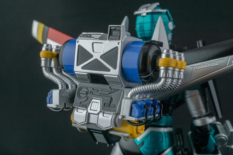Tokkei Winspector (S.H.Figuarts) - Page 2 X5611