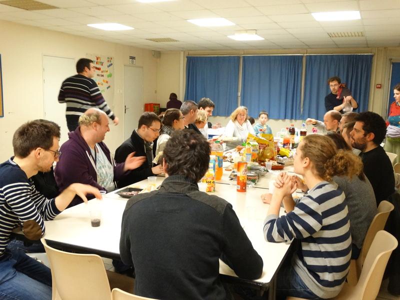 Soirée repas de noël, AG et jeux le 16 décembre à 20h à la MPT SAINT CHERON Dsc01712