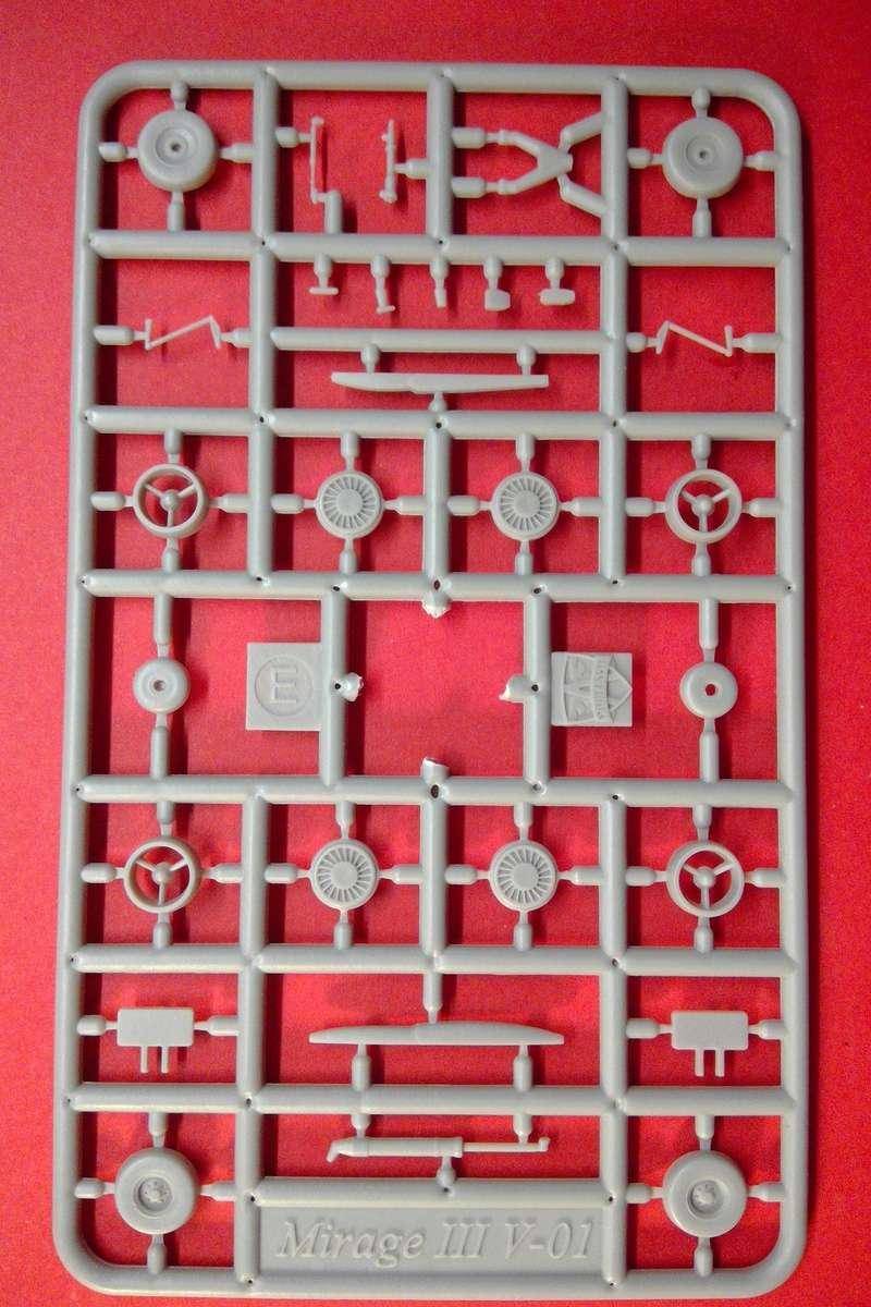 dassault mirage - [MODELSVIT] DASSAULT MIRAGE III V 02 1/72ème Réf 72034 Models36