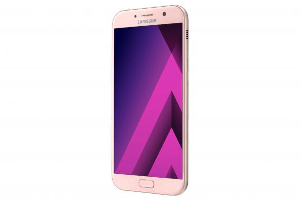 H Samsung ανακοίνωσε επίσημα τη νέα σειρά Galaxy A (2017) με IP68 πιστοποίηση Samsun18