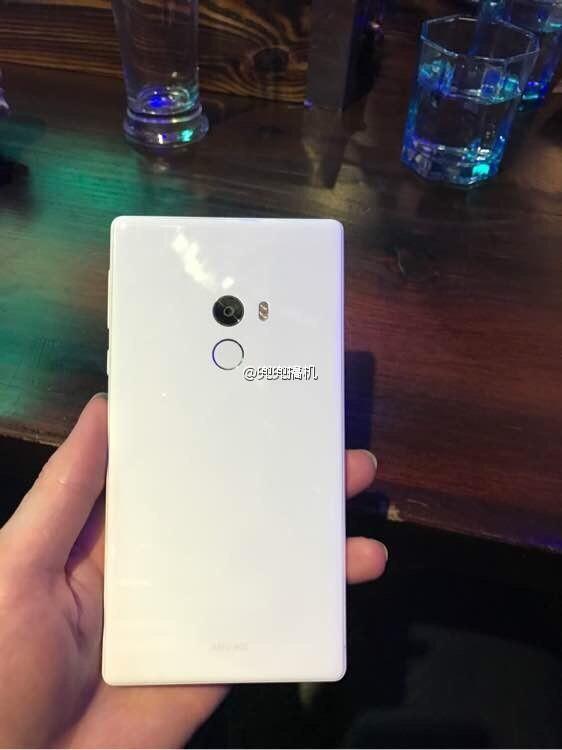 [Update] Xiaomi Mi Mix: Ανακοινώθηκε η νέα concept συσκευή White-11