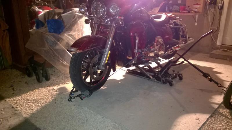 entretien elctra glide limited  lève moto Wp_20112