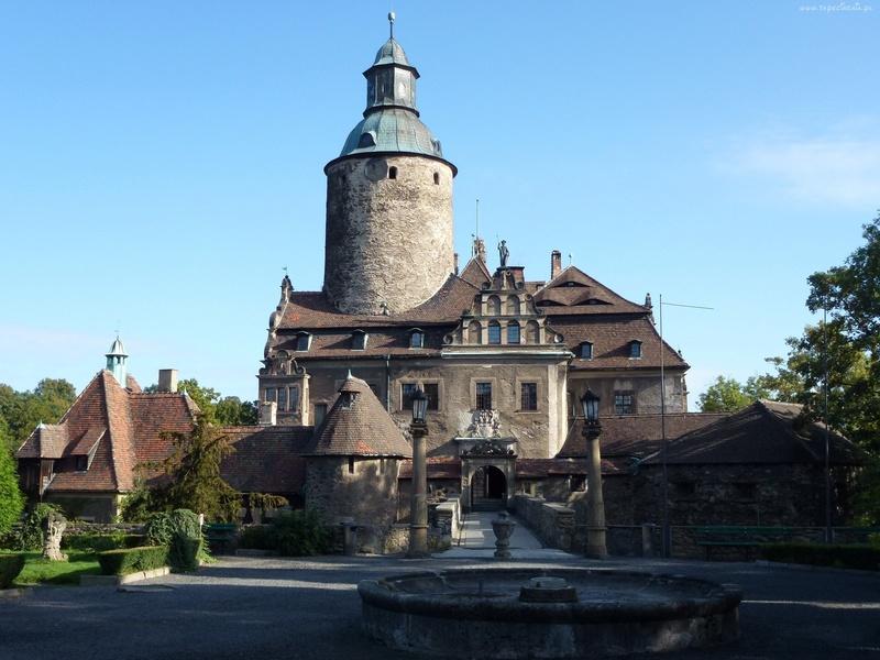 Dvorci,tvrđave i zamkovi - Page 3 Zamak818