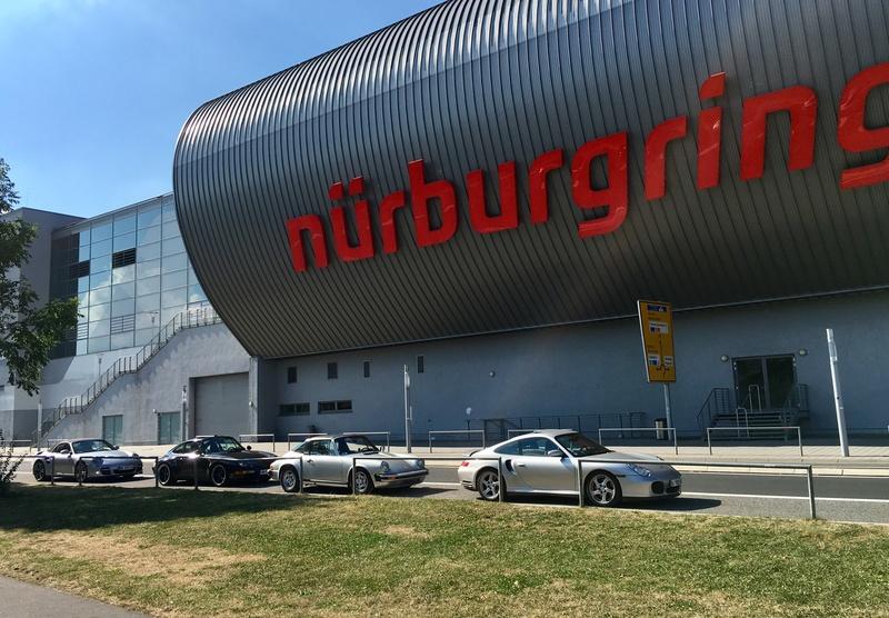 EN PORSCHE CARRERA GT SUR LE NÜRBURGRING !  Img_0110