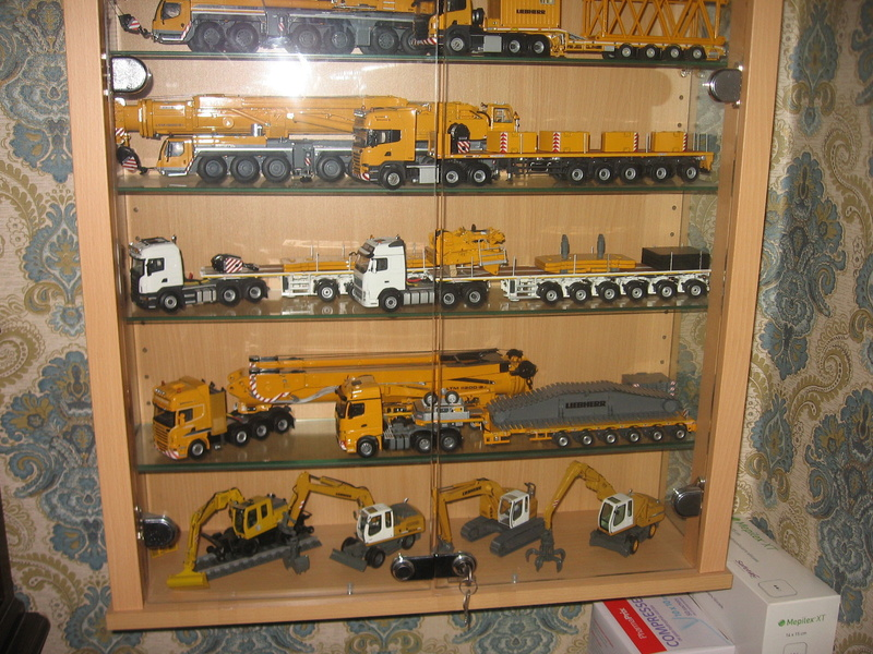 Collection modéles LIEBHERR 1/50 Img_5011