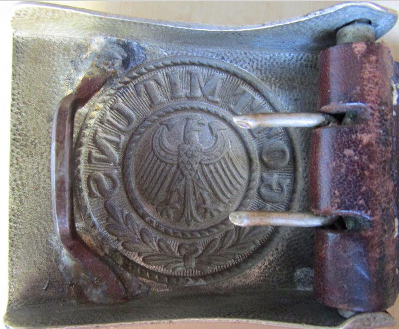 Ma collection : allemand des deux guerres mondiales (médailles, documents...) Boucle13