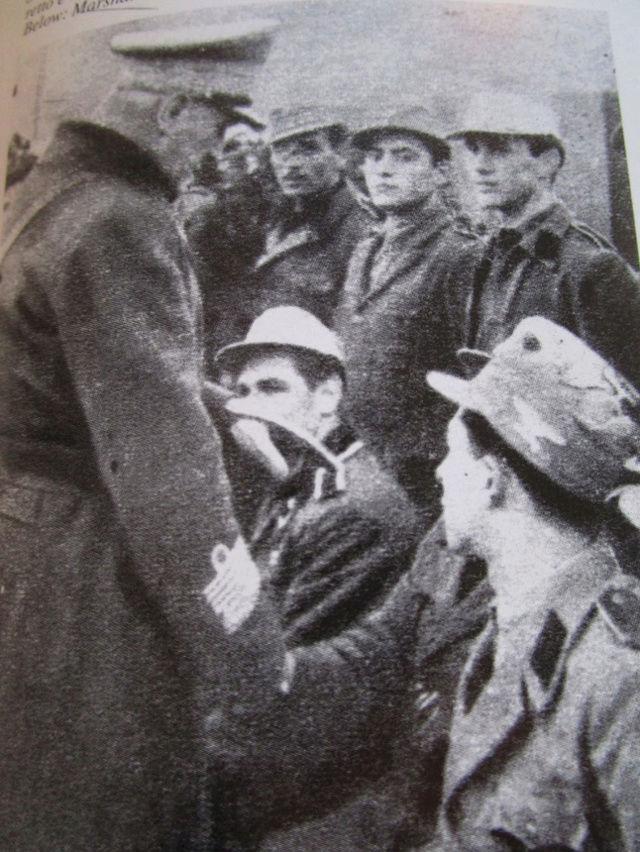 La division SS italienne - Histoire et uniformes Offici11