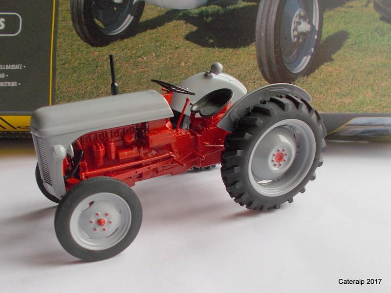 """Ferguson FF-30 mon petit gris """"rouge """" et TE-20 mon petit gris """"gris""""  Fergus15"""