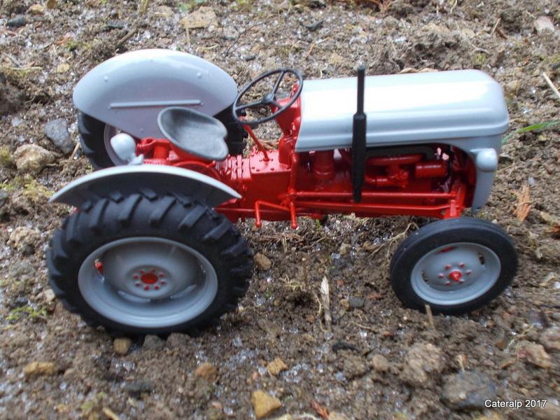 """Ferguson FF-30 mon petit gris """"rouge """" et TE-20 mon petit gris """"gris""""  Fergus28"""