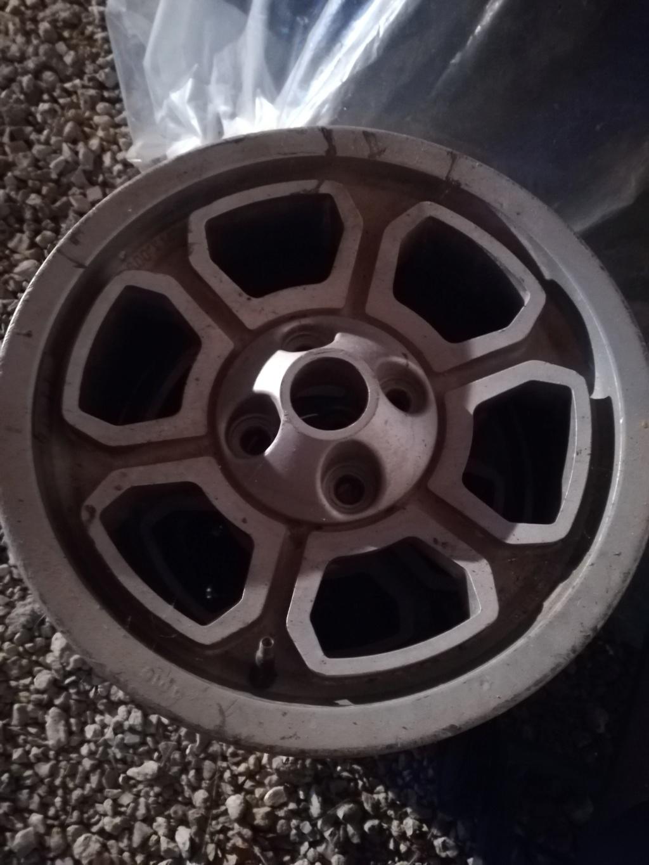 Dimensions pneus sur ALFETTA GTV Img_2011