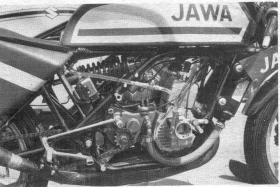 Post TT Races,Mallory-Pak: quelques meetings de 1971 a 1979. - Page 3 Jawa_r10