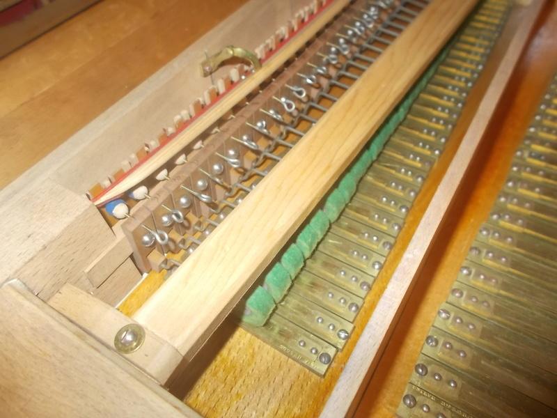 Harmonium à percussion Mériel & Fils Dscn0116