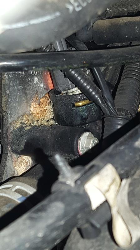 [ Ford Fiesta 1.3 ess. an 2007 ] Voyant moteur fixe 20160711
