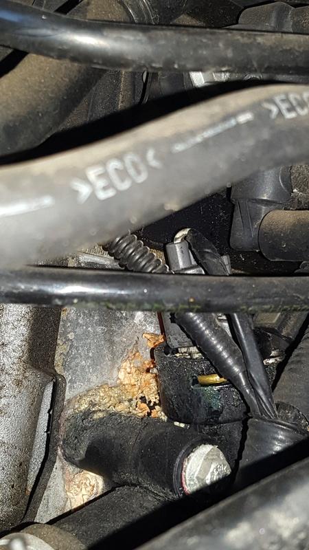 [ Ford Fiesta 1.3 ess. an 2007 ] Voyant moteur fixe 20160714