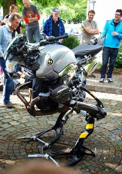 No limit à l'imagination pour les motos, Humour of course! - Page 38 8cb40a11
