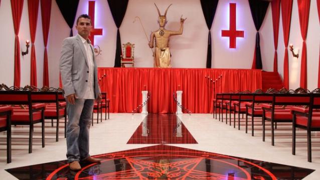 Apre la prima chiesa Satanica italiana Stocal11