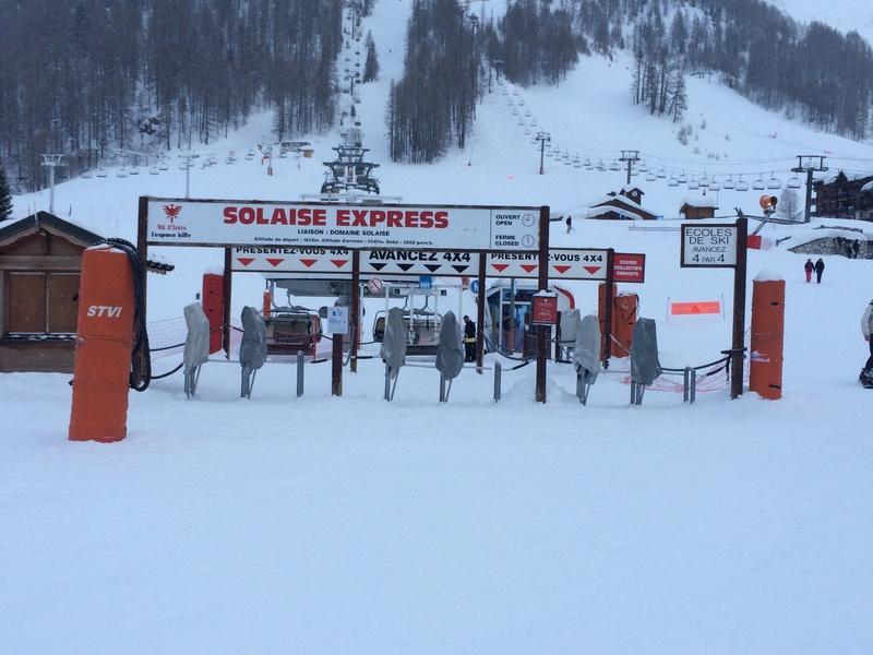 Télésiège à attache débrayables 4 places (TSD4) de Solaise Express (Hors service) Img_2510