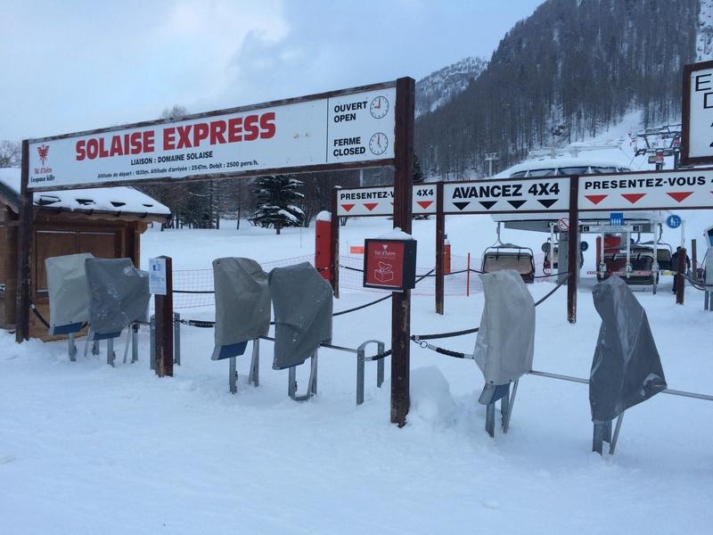 Télésiège à attache débrayables 4 places (TSD4) de Solaise Express (Hors service) Img_2511
