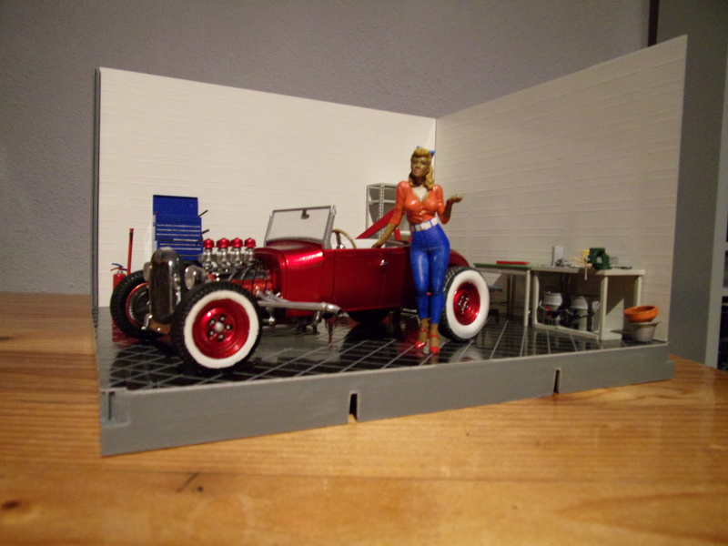 A short stop for '29 FORD Model A Roadster  102_4127