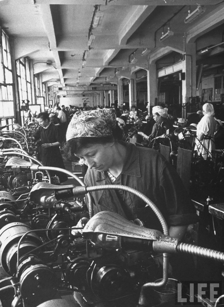 Une photo d'usine de 1961 1961ch11