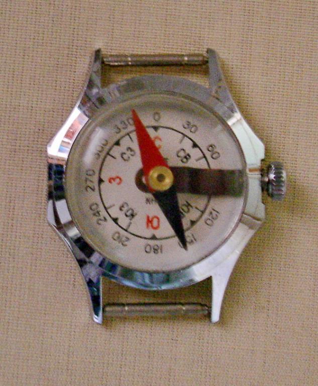 Une boussole de la fabrique de montres de Tchistopol Bous210