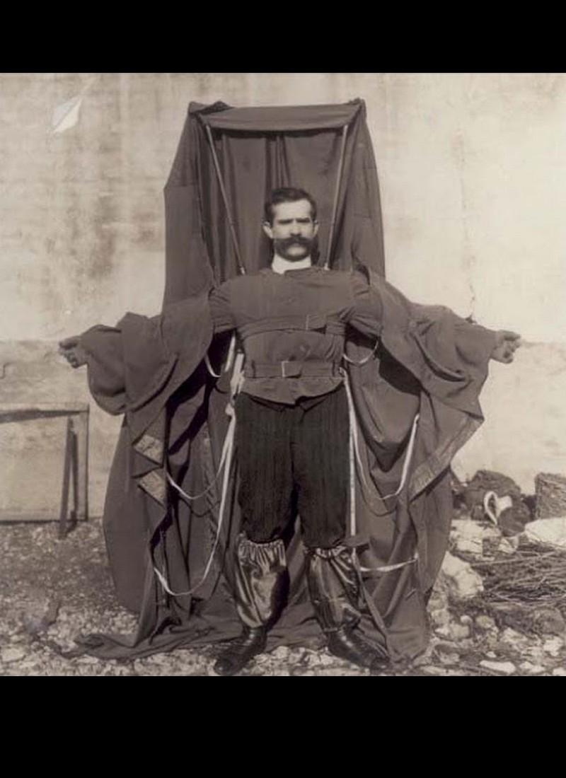 Histoire de Franz Reichelt qui sauta de la Tour Eiffel le 4 février 1912   713