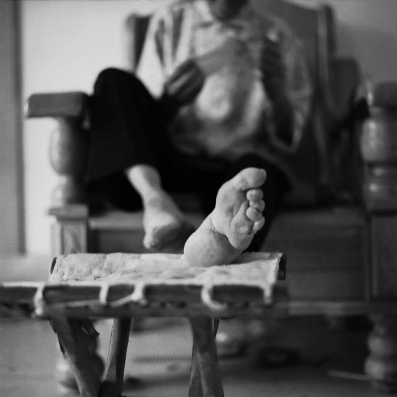 Histoires de pieds ... chaussés Enhanc10