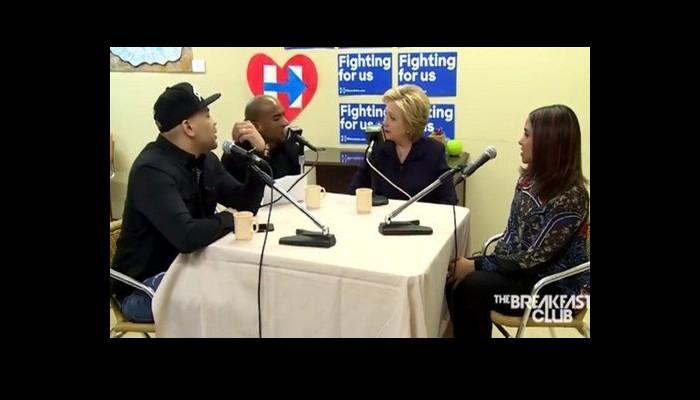 Hillary Clinton s'intéresse-t-elle aux OVNIS ? Sans_406
