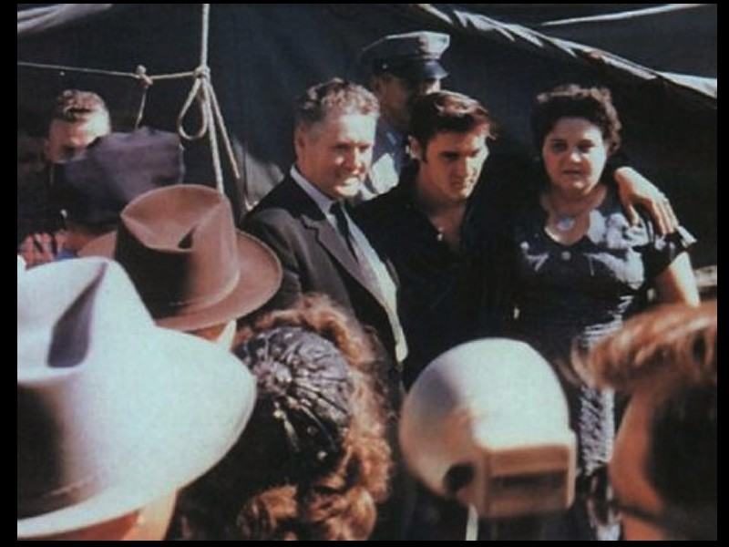 Elvis Aron Presley, projet des services secrets (1/3)  Sans_472