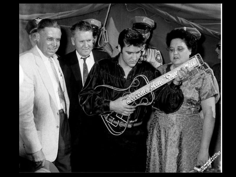 Elvis Aron Presley, projet des services secrets (1/3)  Sans_473
