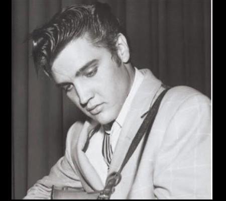Elvis Aron Presley, projet des services secrets (1/3)  Sans_485