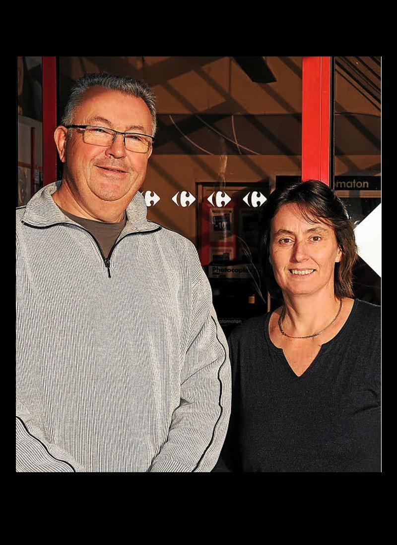 PLOUHA    Stéphane et Véronique Le Leuch sont les nouveaux gérants du Carrefour Market. Sans_t98