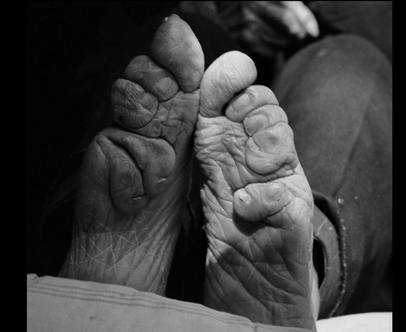 Histoires de pieds ... chaussés V54