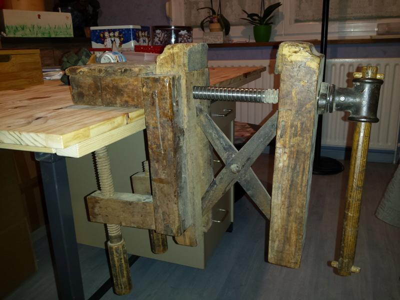 LA TROUVAILLE DE KOKO (une presse à bois à mors parallèles) 20170158