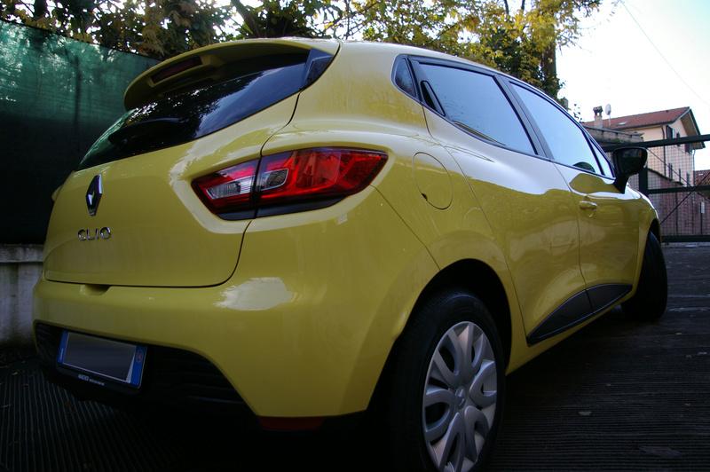 Renault Clio gialla tutta nana Imgp4024