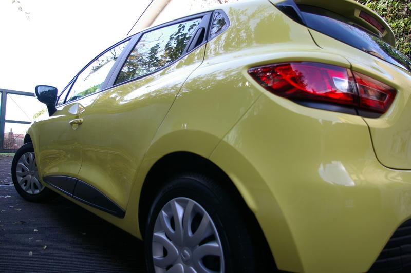 Renault Clio gialla tutta nana Imgp4031