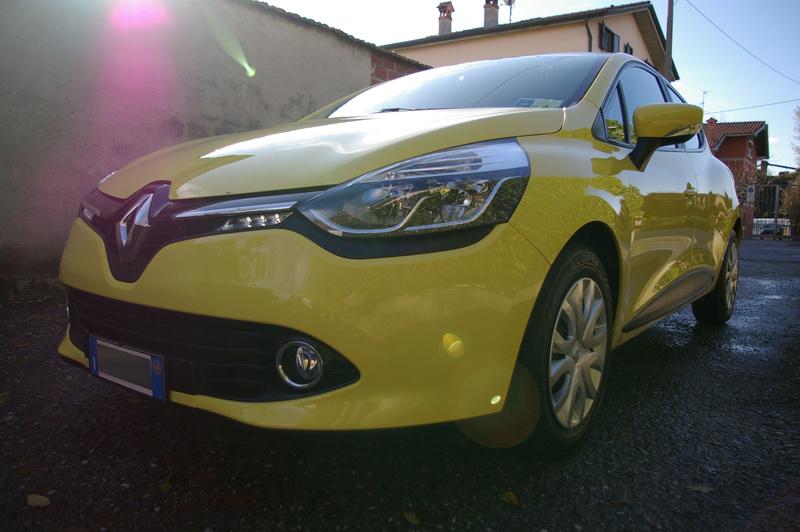 Renault Clio gialla tutta nana Imgp4032