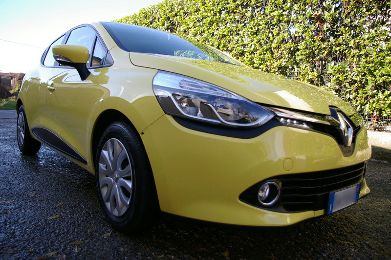 Renault Clio gialla tutta nana Imgp4037