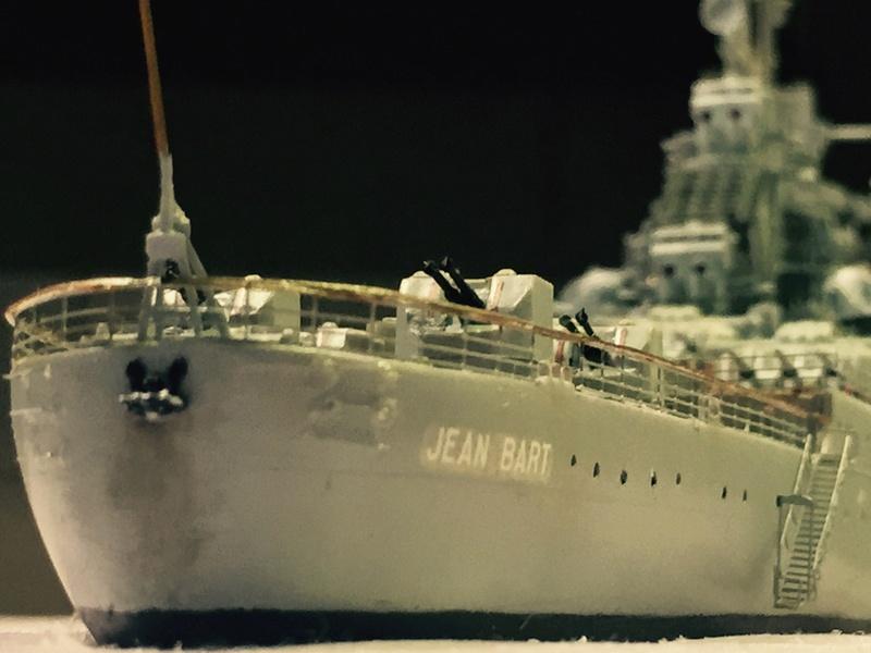 Diorama: Le cuirassé Jean Bart à Toulon en 1955 (1/400 eme) - Page 10 Img_0116