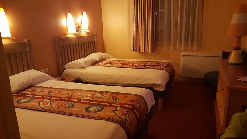 [Hôtel Disney] Disney's Hotel Santa Fe - Page 23 20110