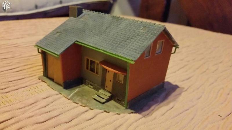 fifties ville in ho - décors de train de style mid century modern - Vintage HO and OO plastic toy train building  02982e10