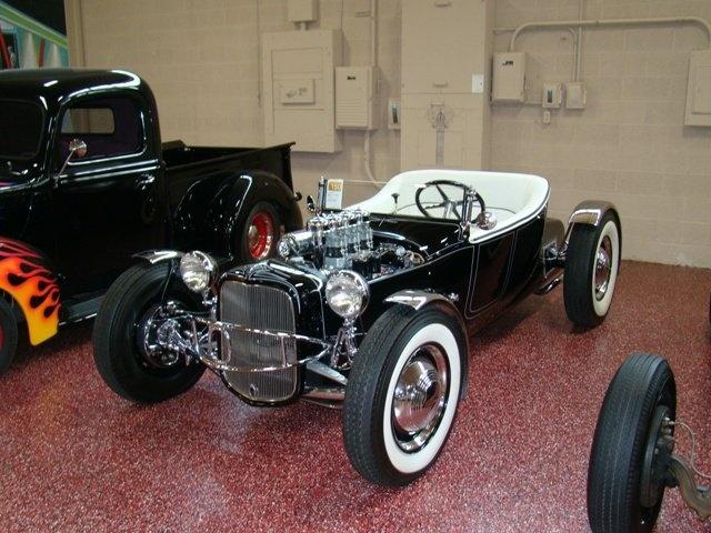 """1927 FORD MODEL T - THE ORIGINAL """"BLACK WIDOW"""" - Wally Olson - Bill Scott 0610"""