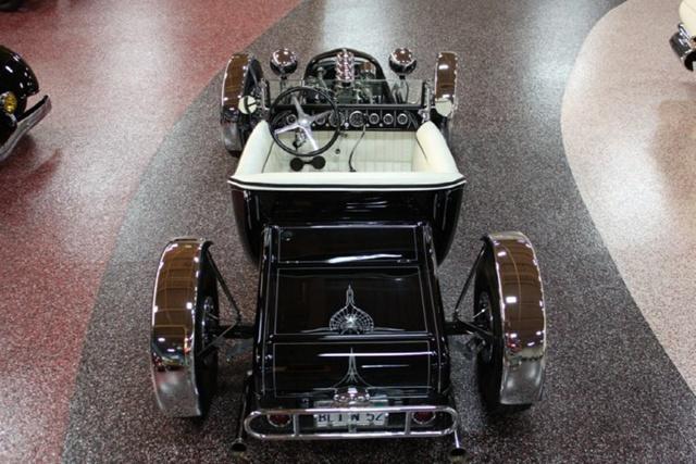 """1927 FORD MODEL T - THE ORIGINAL """"BLACK WIDOW"""" - Wally Olson - Bill Scott 1026"""