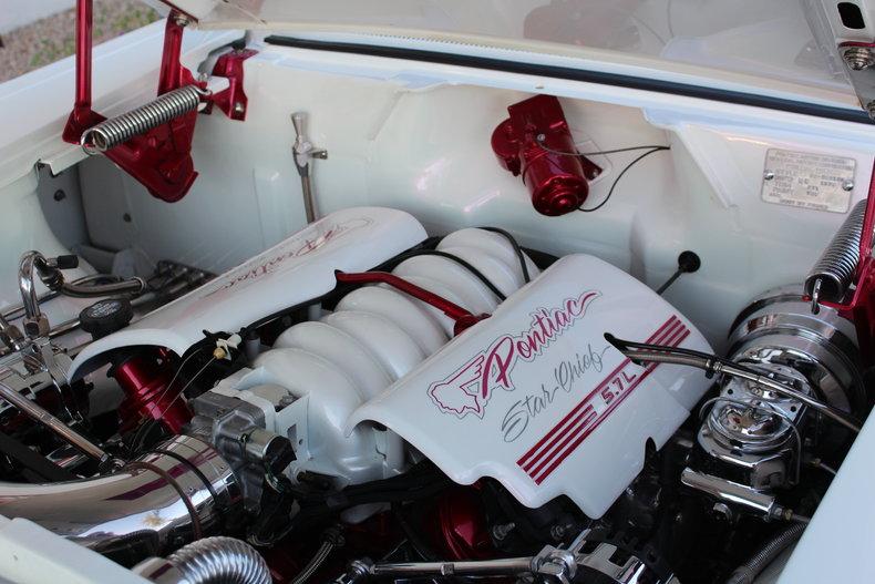 Pontiac 1955 - 1958 custom & mild custom - Page 2 11495_10